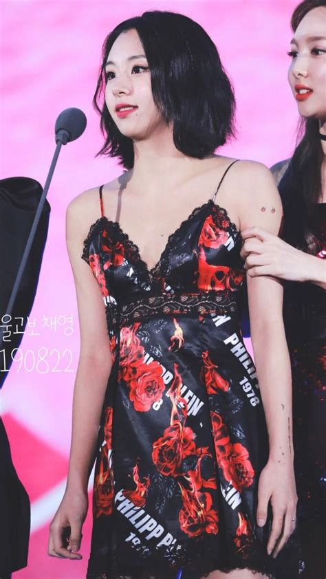 theqoo la idolo femenina  es adicta  los tatuajes