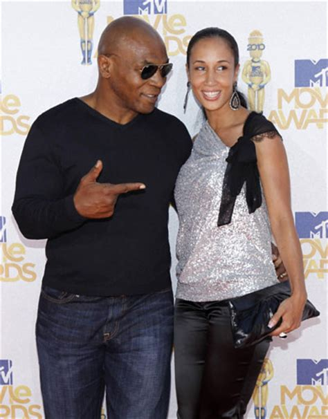 Mtv Awards Red Carpet Mike Tyson And Wife Lakiha Attend The 2010 Mtv Movie Awards