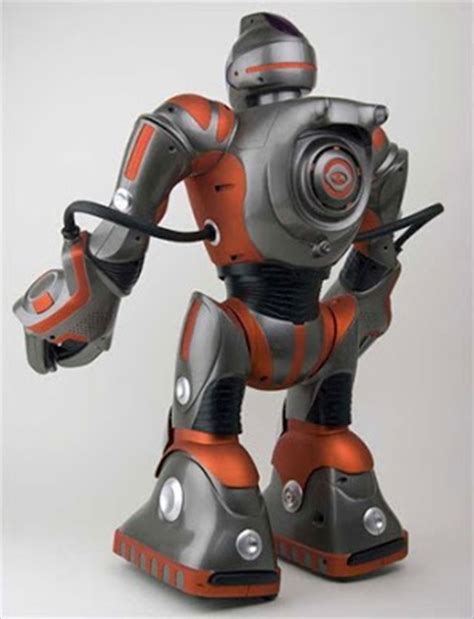 Ces 2007 Pero The Play Entertaining Robot by Codename Wowwee Robot Reviews Robosapien Rs Media