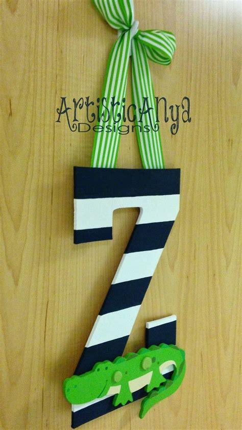Initial Door Hangers by Best 25 Initial Door Hanger Ideas On Monogram