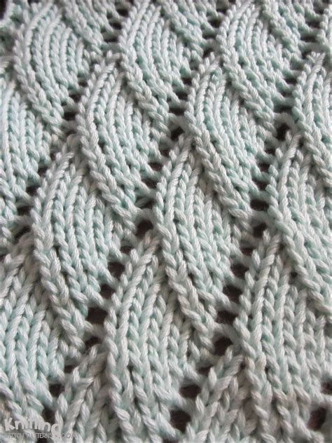 knit in the overlapping waves knitting stitch patterns