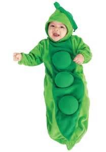 Newborn baby pea in the pod costume
