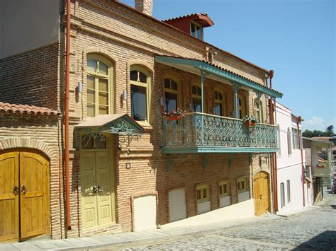 house types in georgia file old houses in sighnaghi georgia jpg wikimedia commons