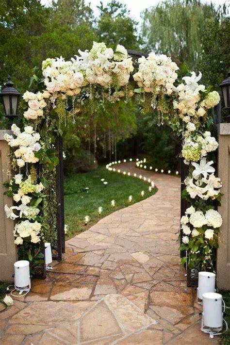 arreglos florales de azucenas floreras tu jardn boda con poco presupuesto trucos para poder organizarla