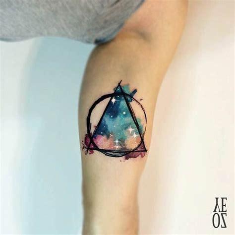 imagenes universo tatuajes m 225 s de 25 ideas fant 225 sticas sobre tatuaje universo en