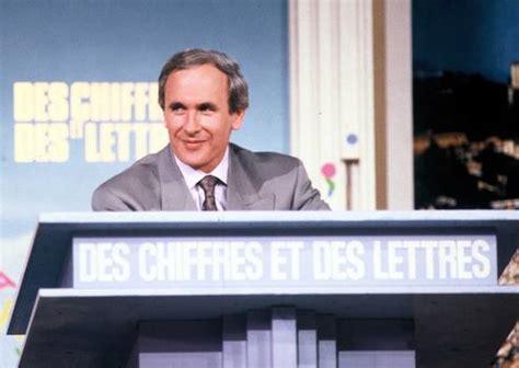Presentateur Des Chiffres Et Des Lettres