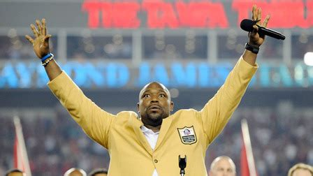 warren sapp bench press warren sapp s jersey retired at halftime nfl videos