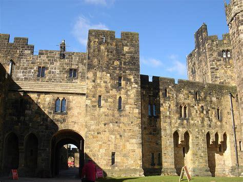 where was hogwarts filmed alnwich castle where hogwarts was filmed flickr