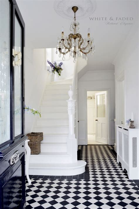 black and white decor the 25 best victorian hallway ideas on pinterest