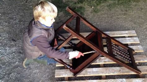 cirer un meuble en bois par valmour fr