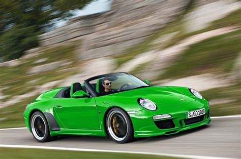 green porsche green porsche car pictures images 226 green