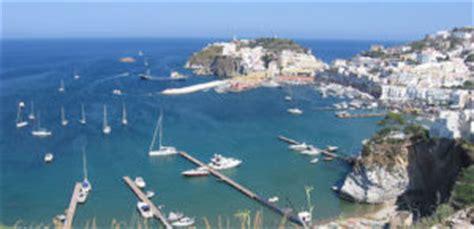 porto d imbarco per ponza ponza come arrivare porti e traghetti traghettiper