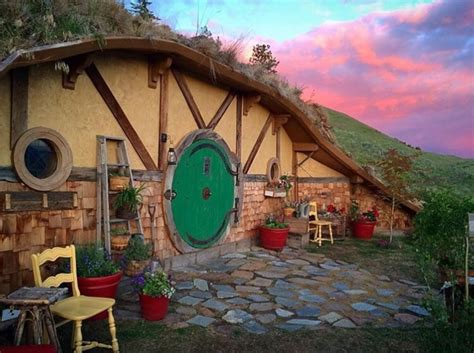 hobbit hole washington hobbit hole airbnb tiny house washington state today com