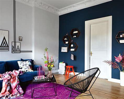 Merk Cat Tembok Biru Dongker warna cat yang bagus untuk ruang tamu biru dongker putih