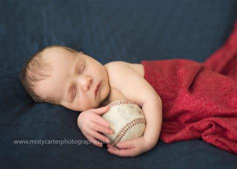 cubs newborn fan newborn pictures northwest chicago photographer modern