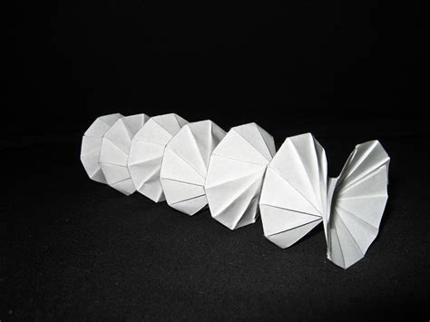 what is origami and where does it comes from origami