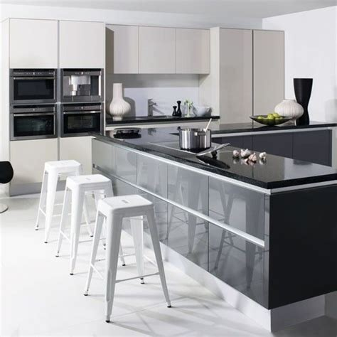 Grey Gloss Kitchen Cabinets by 25 Best Ideas About Grey Kitchen Cupboards On Pinterest