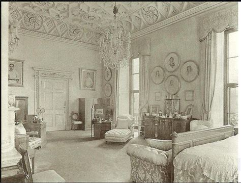 buckingham palace bedrooms queen mary s bedroom at buckingham palace 1910 1936