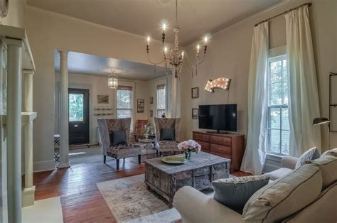 10 urban sophisticated living area styles 3br 2ba nashville cottage in 12south with vrbo
