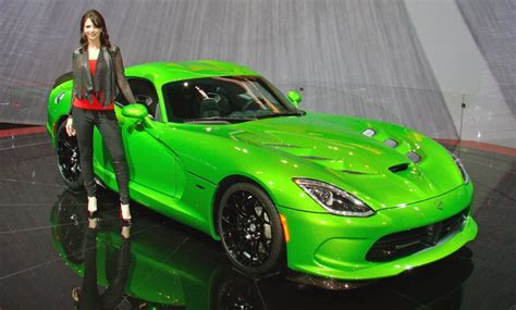 2014 srt viper vehicles on display chicago auto show