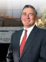 Mccombs Mba Dean by Dean Of Ut S Mccombs School Of Business Steps For