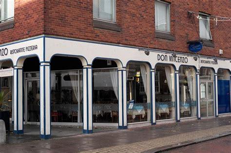 offerte lavoro cameriere sala cercasi camerieri a londra don vincenzo restaurant