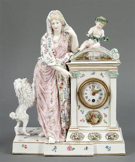 tischuhr love tischuhr mit dame und pudelk 246 nigliche porzellan manufaktur