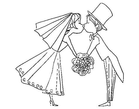 giochi baciare a letto disegno di marito e moglie baciare da colorare acolore