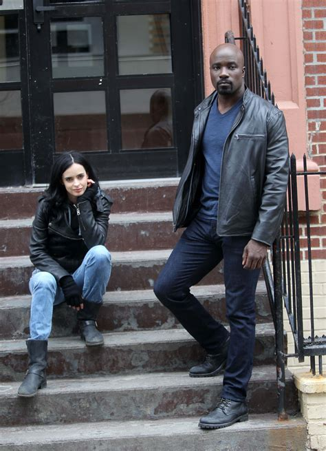 mike colter stunt double mike colter talks luke cage for 2016 don t expect a
