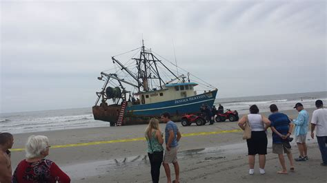 fishing boat accident nj fishing boat lands on atlantic city beac captain