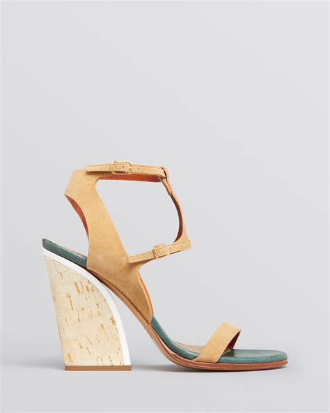 cork high heel sandals chlo 233 sandals ankle t cork high heel in brown otter