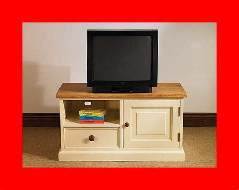 Painted Tv Cabinet by Hton Painted Pine Furniture Widescreen Tv Cabinet