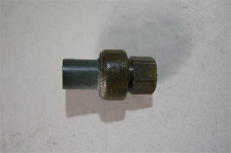buickchevyoldspontiac brass fitting  ac