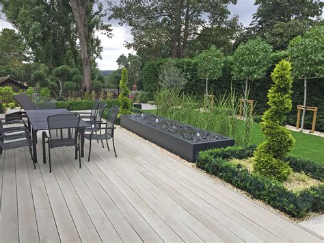 new contemporary gardens roger gladwell garden design