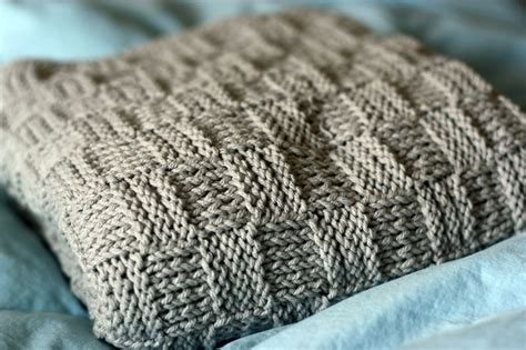 easy knitted baby blanket easy knit baby blanket craft ideas