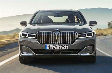 grille  bmw  series debuts  massive maw