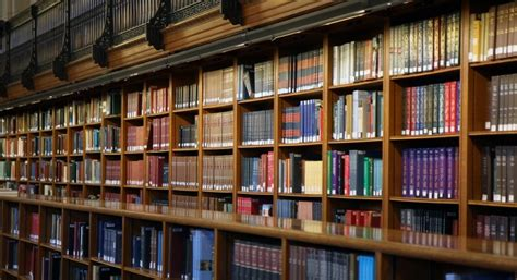 lavorare libreria ecco perch 233 lavorare in una libreria pu 242 essere meraviglioso