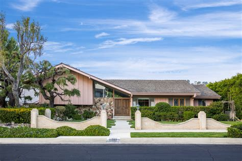 for sale the brady bunch house fortune