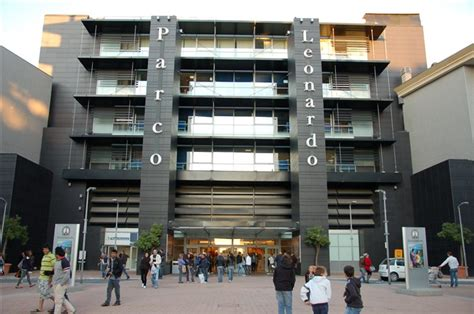 shopping center parco leonardo