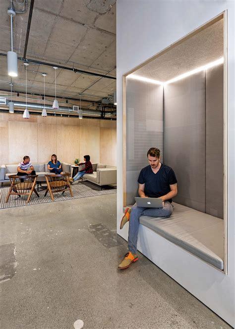 una oficina  espacios abiertos  flexibles diseno de