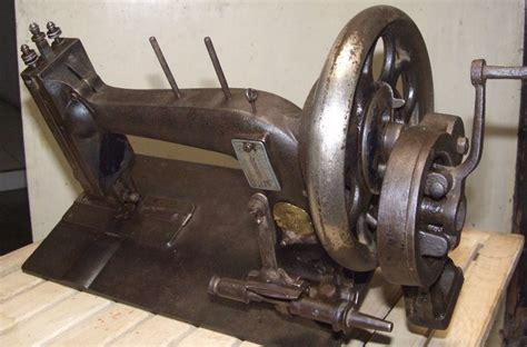 Mesin Jahit Kuno galeri koleksi mesin jahit kuno