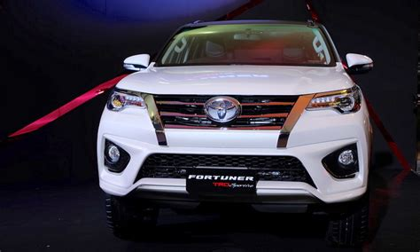 Grill Fortuner Vrz 2016 Trd 2016 toyota fortuner trd sportivo front launched in thailand indian autos