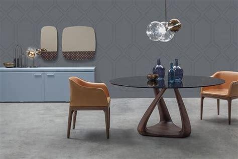 tavoli tondi design tavolo design con piano in vetro struttura in noce