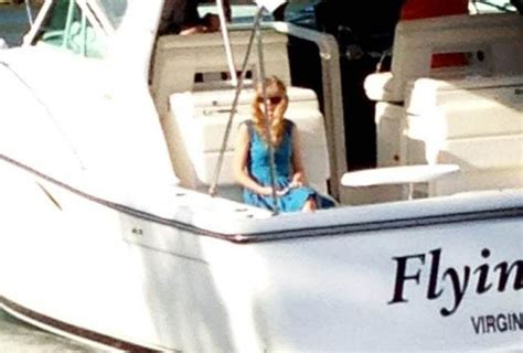 taylor swift harry styles split after two months ny - Taylor Swift On Boat Alone