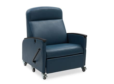 Recliners For Patients by Of Care Manual Bariatric Recliner Hill Rom