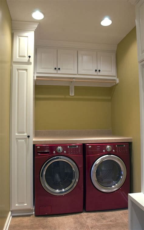 Tiny Laundry Room Ideas by 25 Best Ideas About Small Laundry Rooms On