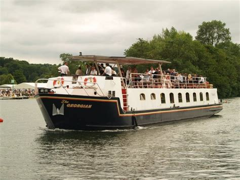 thames river boats offers thames boat