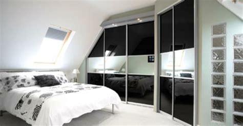 kleiderschrank für dachschräge schrank design schlafzimmer