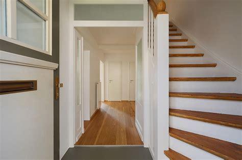 wandbeleuchtung treppe haus n11 eingangsbereich mit treppe