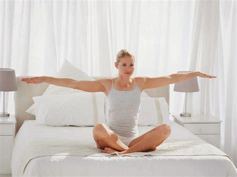 Imagenes De Yoga En La Cama | gu 237 a fit para chicas vagas fitness para corredoras